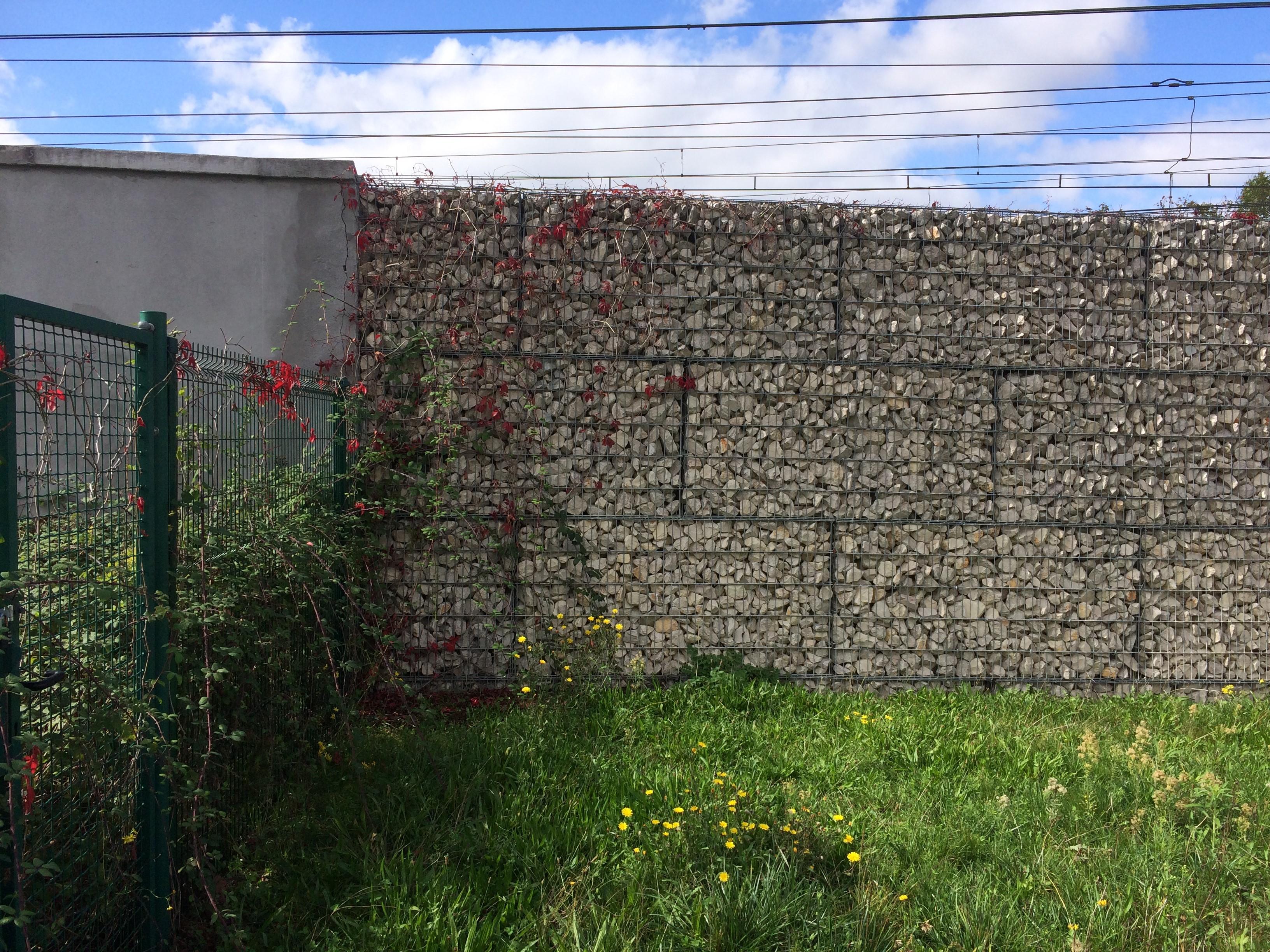 anti sound barrier stonebox SETP bassens