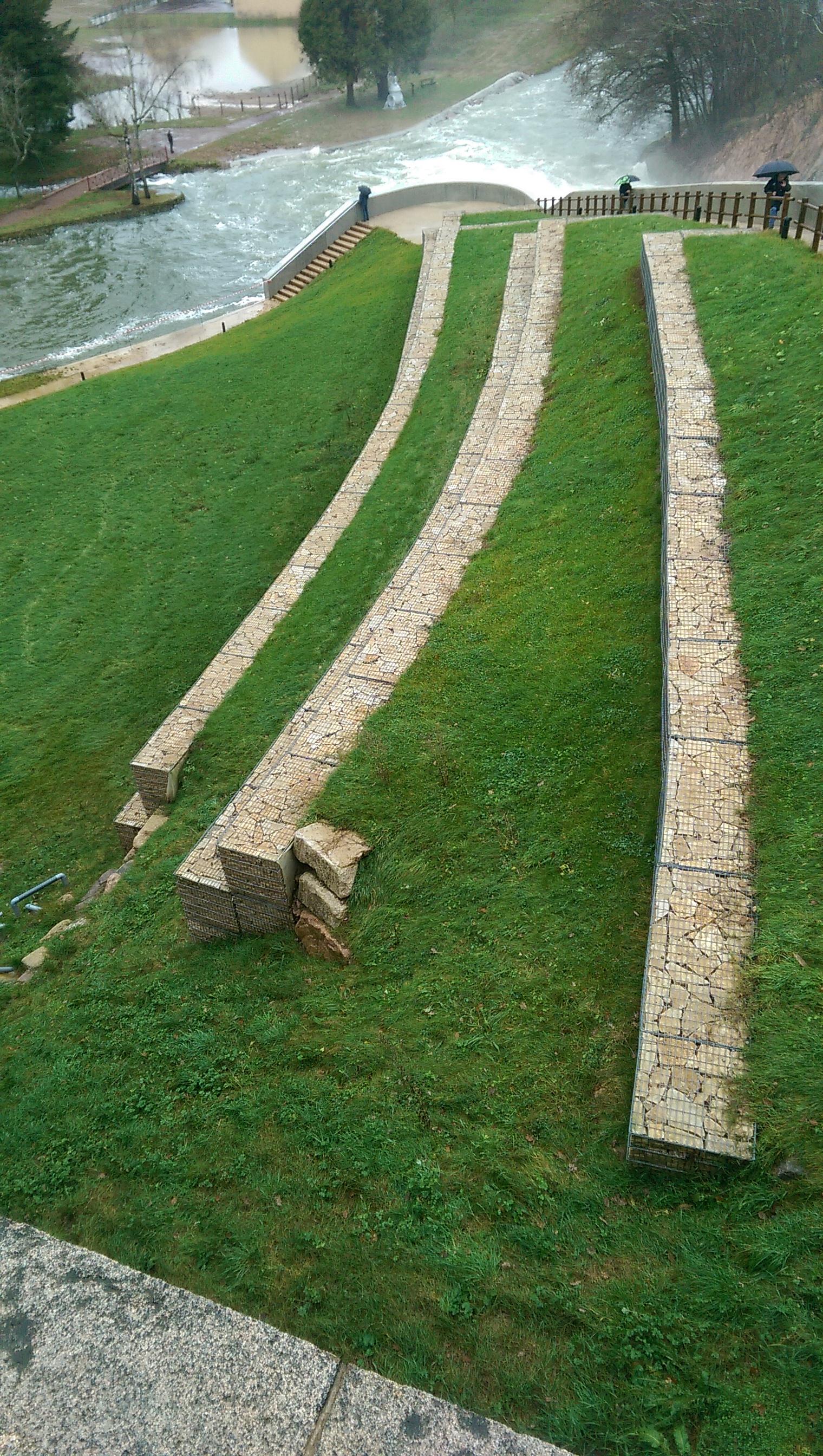dam pont et massène lave de bourgogne SETP Stonebox gabion